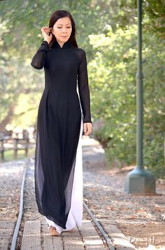Ao Dai, the dress of Vietnam, at its simplest
