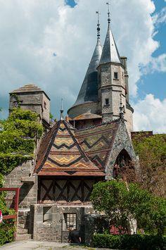 Château de la Rochepot (près de Beaune) Côte d'Or *région Bourgogne -France-