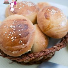 These soft burger buns are the best you will ever make the next time you plan your burger feast. They are soft, fluffy and golden but most importantly they are easy and with my step by step pictures you will make them more often then you plan. Gluten Free Hamburger Buns, Homemade Hamburger Buns, Homemade Burgers, Easy Bread, Burger Recipes, Food Videos, The Best, Food And Drink, Breads