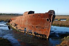 Great old rusty boat.