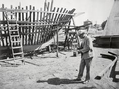 A new book features the photography of Jack London, along with his words, chronicling poverty in London and the aftermath of the San Francisco earthquake.