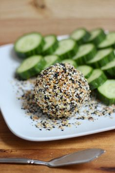 This Everything Bagel Goat Cheese Snack is pairs perfectly with some veggies...making it the ideal snack for the 80 Day Obsession.