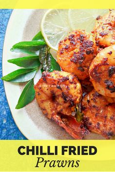 This chilli fried prawns is the prawn fry of the good times. Just five ingredients, minimum cooking time, and maximum deliciousness! Prawn Recipes, Seafood Recipes, Indian Food Recipes, Appetizer Recipes, Dinner Recipes, Ethnic Recipes, Prawns Fry, Chilli Prawns, Prawn Curry