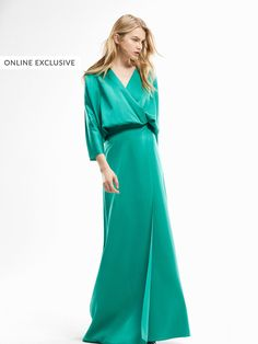 Spring summer 2017 Women´s LIMITED EDITION LONG TEXTURED WEAVE TURQUOISE DRESS at Massimo Dutti for 249. Effortless elegance!