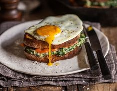 Croque Madame with spinach and smoked salmon. http://drinksfeed.com/croque-madame-with-spinach-and-smoked-salmon/ #foodporn