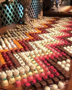 Unique Wedding Catering Ideas for the Big Day – MyPerfectWedding Fruits Decoration, Party Decoration, Wedding Desserts, Mini Desserts, Buffet Wedding, Party Food Platters, Wedding Catering, Food Presentation, Food Design