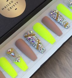 Matte Neon yellow and nude press on nails adorned with genuine Swarovski crystals & gold accents. Available in any shape & size. ‼️If you select any of the long shapes, make sure to select the Size with the Long Shape price. Thank you‼️ Choose a 10 Nail set or a Full Set of 20 nails (All Sizes) if unsure of sizing. Sizes: XS, S, M, L XS: THUMB 3, POINT 6, MIDDLE 5, RING 7, PINKY 9 S: THUMB 2, POINT 5, MIDDLE 4, RING 6, PINKY 9 M: THUMB 1, POINT 5, MIDDLE 4, RING 6, PINKY 8 L: T...