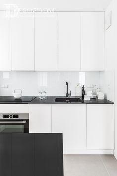 Small Kitchen Cabinet Design, Small Kitchen Cabinets, Kitchen Room Design, Modern Kitchen Design, Interior Design Kitchen, Kitchen Living, New Kitchen, Black Kitchen Countertops, Minimalist Kitchen