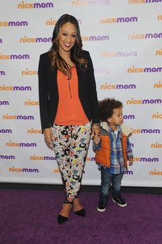 Get the Look: Tia Mowry's NickMom Panel Discussion Black Blazer, Orange Blouse, and Topshop Colored Leopard Print Jogging Pants Casual Work Outfits, Classy Outfits, Fall Outfits, Tia And Tamera Mowry, Mommy Style, Get The Look, Daily Fashion, Spring Summer Fashion