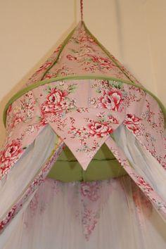 Betthimmel - Betthimmel Floral Bohem rose - ein Designerstück von maralinchen-textilraum bei DaWanda