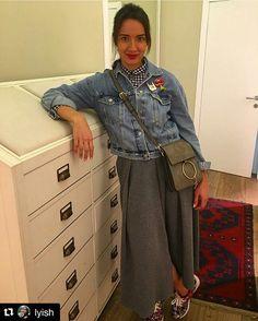 """А это очаровательная Луиза @lyish  для своего лука выбрала наши броши. """"Страстные губки"""" и """"Rock"""" отлично гармонируют #Orgalica#Оргалика#brooch#брошь#броши#acrylicjewellery#acrylicpin#весна2016#губы#rock#followme#красныегубы#втренде#будьвтренде"""