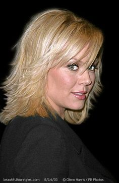 Gail O'Grady with Stylish Medium Blond Flippy and Feathered Hair - Beautiful Hairstyles