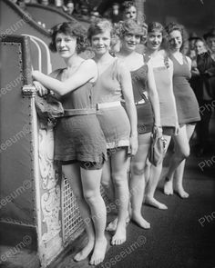 Excited Beauty Contestants Vintage 8x10 Reprint Of Old Photo
