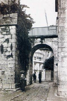 Puerta de Mazarelos. Año 1919 Fotografía antigua de Santiago de Compostela