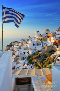 Oia sunset & Greek flag, Santorini to GReece. Mykonos, Santorini Grecia, Santorini Island Greece, Santorini Sunset, Santorini Travel, Vacation Places, Dream Vacations, Places To Travel, Places To Visit