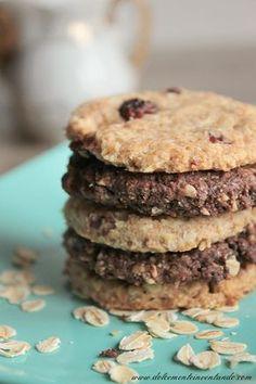 Dolcemente Inventando ovvero i pasticci di Ale: Biscotti Grancereale fatti in casa al cacao, ai cereali croccanti e ai mirtilli rossi