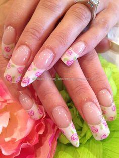Freehand rose nail art  www.eyecandynails.co.uk/ElaineMoore/NailArt/2863