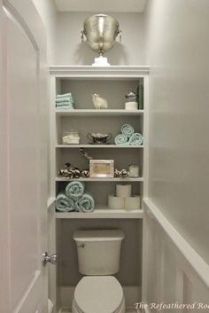 Bath Remodel Idea The water closet.also paint design regardless of color, two shadesThe water closet.also paint design regardless of color, two shades Bad Inspiration, Bathroom Inspiration, Bathroom Ideas, Bath Ideas, Cloakroom Ideas, Bathroom Updates, Bathroom Hacks, Creative Inspiration, Toilet Closet