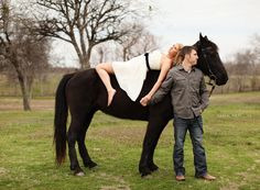 super arty bride on horse engagement session horse-ennis-wedding-photography-1