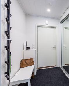 Eteinen on joka kodissa läpikulkupaikka ja ensimmäinen asia, joka kodista huomataan. Fiksuilla peiliovilla kapeampikin tila saa avaruutta, eikä liukuovien availu ei pienennä kulkutilaa. #designtalo #eteinen Decor, Furniture, Home, Loft, Loft Bed, Bed