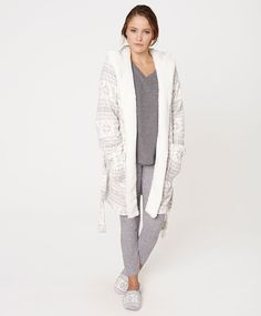 Hooded jacquard robe, nullRON - null - Find more trends in women fashion at Oysho .