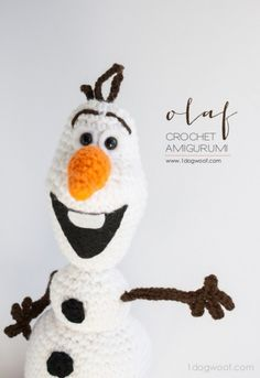 Olaf from Frozen Crochet Amigurumi Pattern - One Dog Woof - - This winter, I made myself an Olaf stuffie. If you want one, come and get my Olaf Frozen crochet pattern! Crochet Disney, Olaf Crochet, Frozen Crochet, Crochet Gratis, Crochet Amigurumi, Cute Crochet, Amigurumi Doll, Crochet Baby, Crochet Snowman