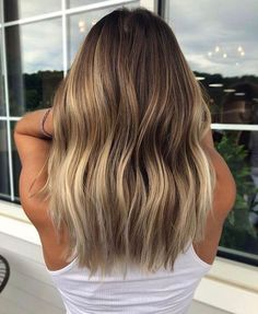 Long Wavy Ash-Brown Balayage - 20 Light Brown Hair Color Ideas for Your New Look - The Trending Hairstyle Ombre Hair Color, Hair Color Balayage, Cool Hair Color, Brown Hair Colors, Hair Highlights, Bronde Hair, Light Brown Hair, Dark Hair, White Hair