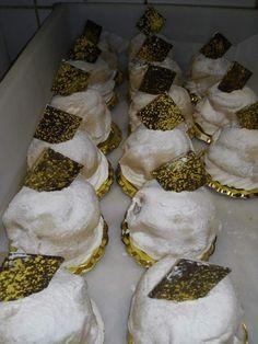Dalla torta Mont Blanc che abbiamo già visto in questo blog, al mignon e alla monoporzione. Gli ingredienti sono gli stessi della torta: M... Napkin Rings, Blog, Mont Blanc, Blogging, Napkin Holders