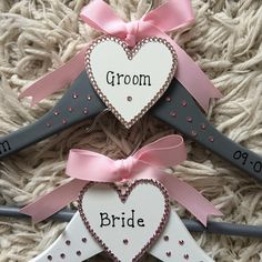 Wedding clothes hangers. Available for all wedding party. Also available for proms etc. Prices from £7.50 plus p&p each. Lots of colours and designs. #bride #groom #bridesmaid #flowergirl #wedding #weddingdress #groomsuit #bows http://butimag.com/ipost/1494325031483489724/?code=BS86LLojD28