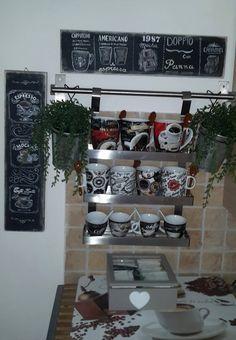 angolo cucina, tavola lavagna decorazione caffè di Sonia Del Vecchio