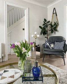 Living room with a touch of spring #livingroom