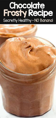 How To Make A Copycat Wendy's Chocolate Frosty Recipe (vegan, healthy) Wendy's Chocolate Frosty Recipe, Homemade Chocolate Bars, Chocolate Hummus, Healthy Chocolate Smoothie, Chocolate Recipes, Healthy Ice Cream, Vegan Ice Cream, Healthy Frosty, Crack Crackers