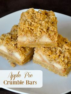 Apple Pie Crumble Bars - all the wholesome flavour of an apple crumble pie in a cookie bar form. They freeze well too for Holiday baking.