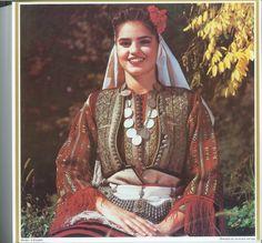 Галичник Traditional Dresses, Traditional Art, Les Balkans, Gypsy Culture, Albanian Culture, Palestine History, Fashion Photography Inspiration, Folk Costume, Bulgarian