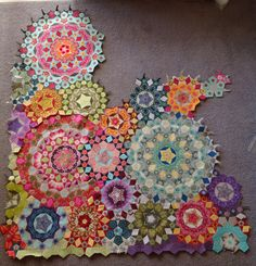 Millefiori quilt in progress ( based mostly on hexagon, triangle, and diamond patches). http://lilabellelane.blogspot.com.au/2014/11/picking-up-la-passacaglia.html