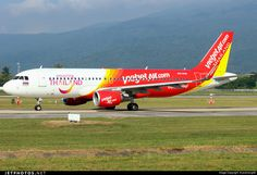 Thai VietJet Air (TH) Airbus A320-214 HS-VKB aircraft, with the stickers ''Enjoy Flying & Amazing Thailand'' on the airframe, skaying at Thailand Chiang Mai International Airport. 06/11/2016. | JetPhotos