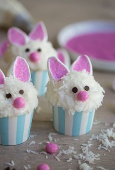 Looking for Easy Easter Bunny cupcake ideas for kids? These Easter Bunny Cupcakes are really easy to make and taste so delicious Easter Snacks, Easter Party, Easter Treats, Easter Recipes, Desserts For Easter, Easter Deserts, Bunny Party, Kid Desserts, Easter Food