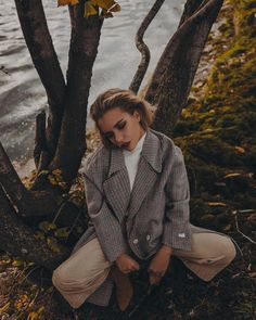 Photography Senior Pictures, Autumn Photography, Girl Photography Poses, Creative Photography, Fashion Photography, Autumn Aesthetic, Aesthetic Photo, Alexandra Burimova, Insta Photo Ideas