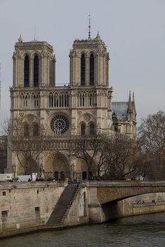 Notre Dame de Paris by 5DII on Flickr.