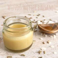 Ihr Lieben, für euch gekocht, getestet und für gut befunden! Unser Wind&Wetter Balsam mit gutem Honig und auch wunderbar geeignet für das Gesicht eurer Kinder und natürlich auch für die trocken…