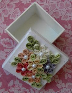 Boxes of paper or MDF adorned with the art of quilling and punch art