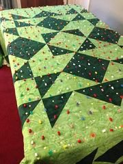basting a large quilt | basting with pinmoors
