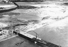 Construction de la deuxième ligne de ponts en 1966