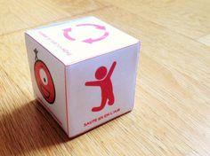 Cube Bodyfun pour permettre aux enfants de bouger quand ils en ont besoin.