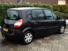 Want to buy my latest car? For sale in Holland! 2005 Renault Megane Scenic. 1.6 16V € 3500,-