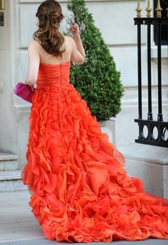 welcome-to-the-upper-east-side:  this dress is soooo beautiful--one of my favorite Blair Waldorf looks!