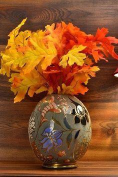Cincinnati Art Pottery William Dell Hungarian Faience Egg - The Cincinnati Art Pottery Co. opened in Cincinnati, Ohio in Noted artist Thomas J Roseville Pottery, Pottery Vase, Ceramic Pottery, Ceramic Art, Cincinnati Art, White Clay, Clay Projects, Amazing Art, Art Nouveau