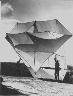 Kite Surf, Curiosity, Plane, Louvre, Construction, Sky, Graphic Design, Sculpture, Black And White