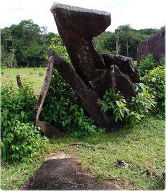 Monólitos do círculo megalítico de Calçoene, no Amapá