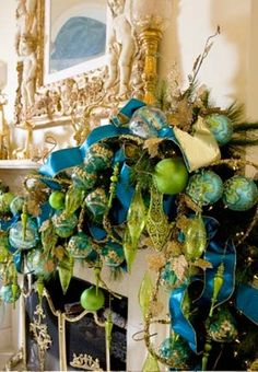 mantel christmas decorating 31 Best Christmas Mantel Decorating Ideas for 2013
